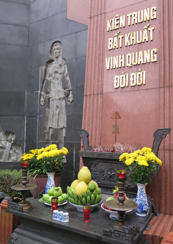 Vietnam-Hanoi-Hoa-Lo-Prison-Shrine