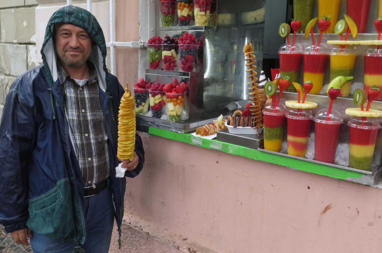 czech-republic-prague-street-vendor