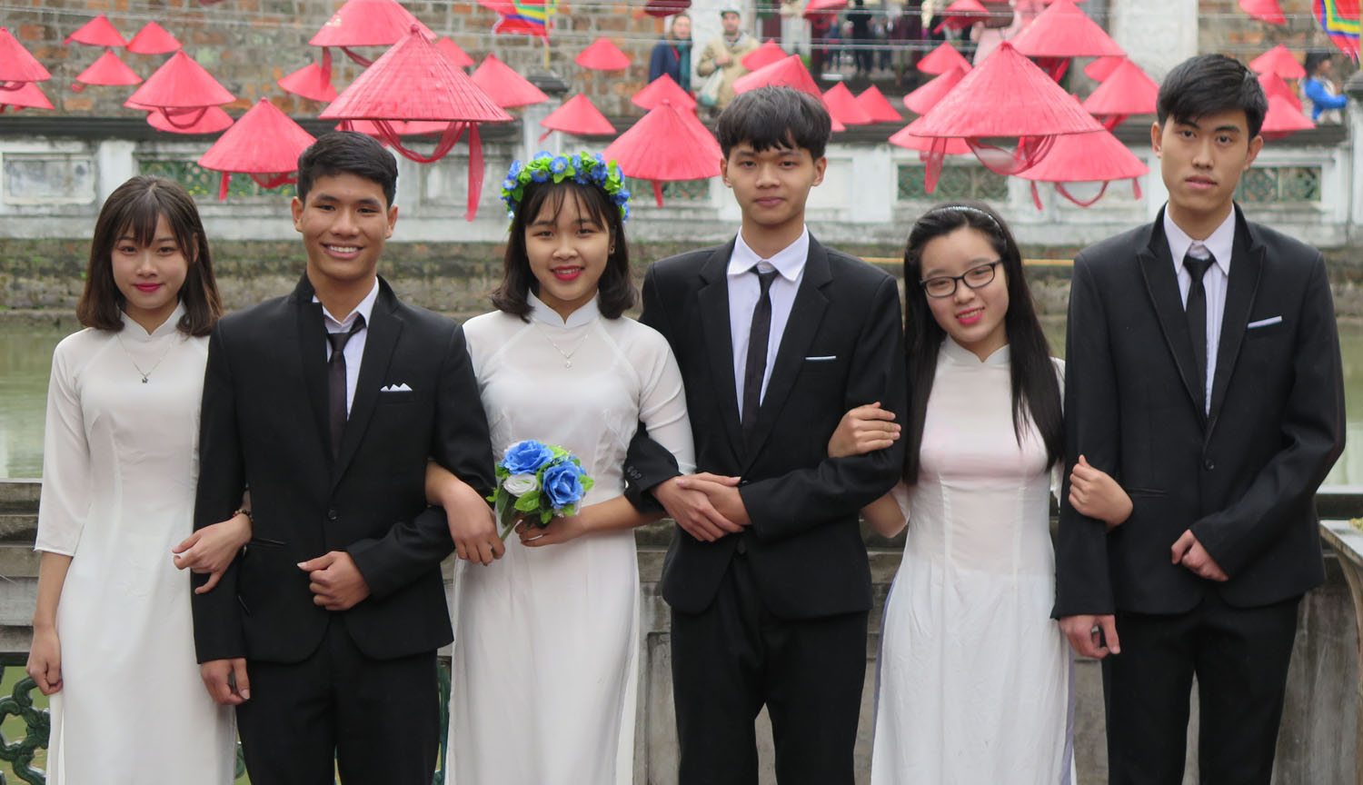 Vietnam-Hanoi-Temple-Of-Literature-Graduates