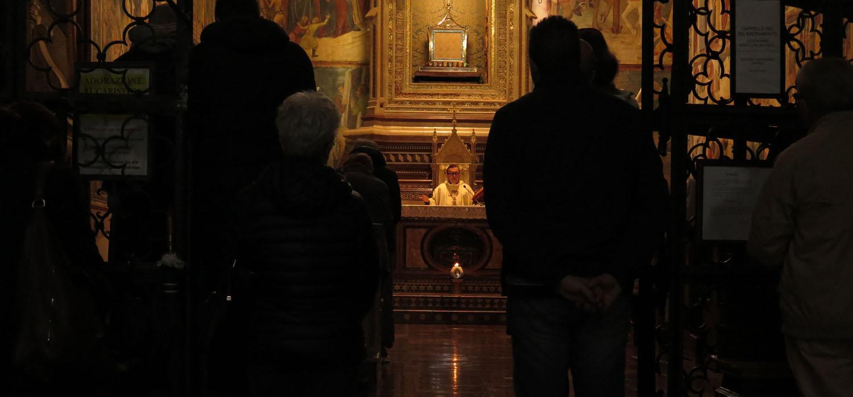Italy-Orvieto-Duomo-Mass