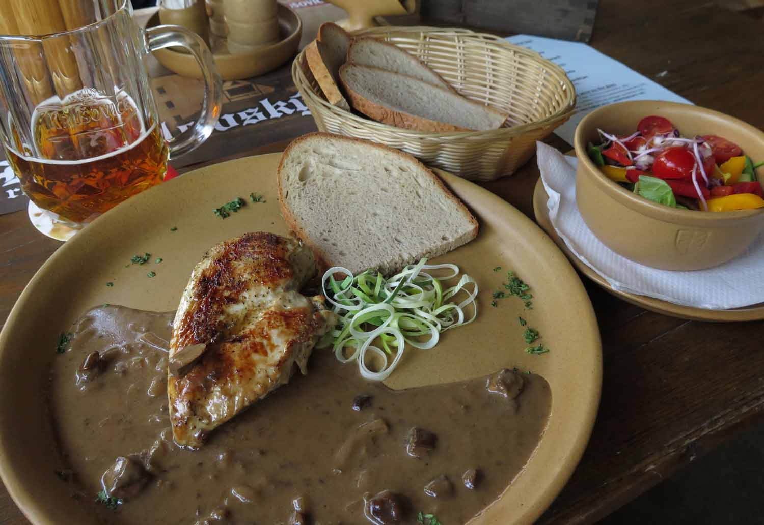 czech-republic-czesky-krumlov-food-and-drink-chicken