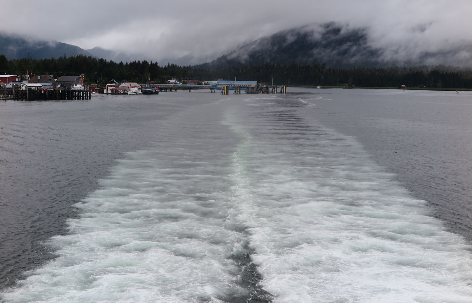 Alaska-State-Ferry-Inside-Passage-Scenery-Wake