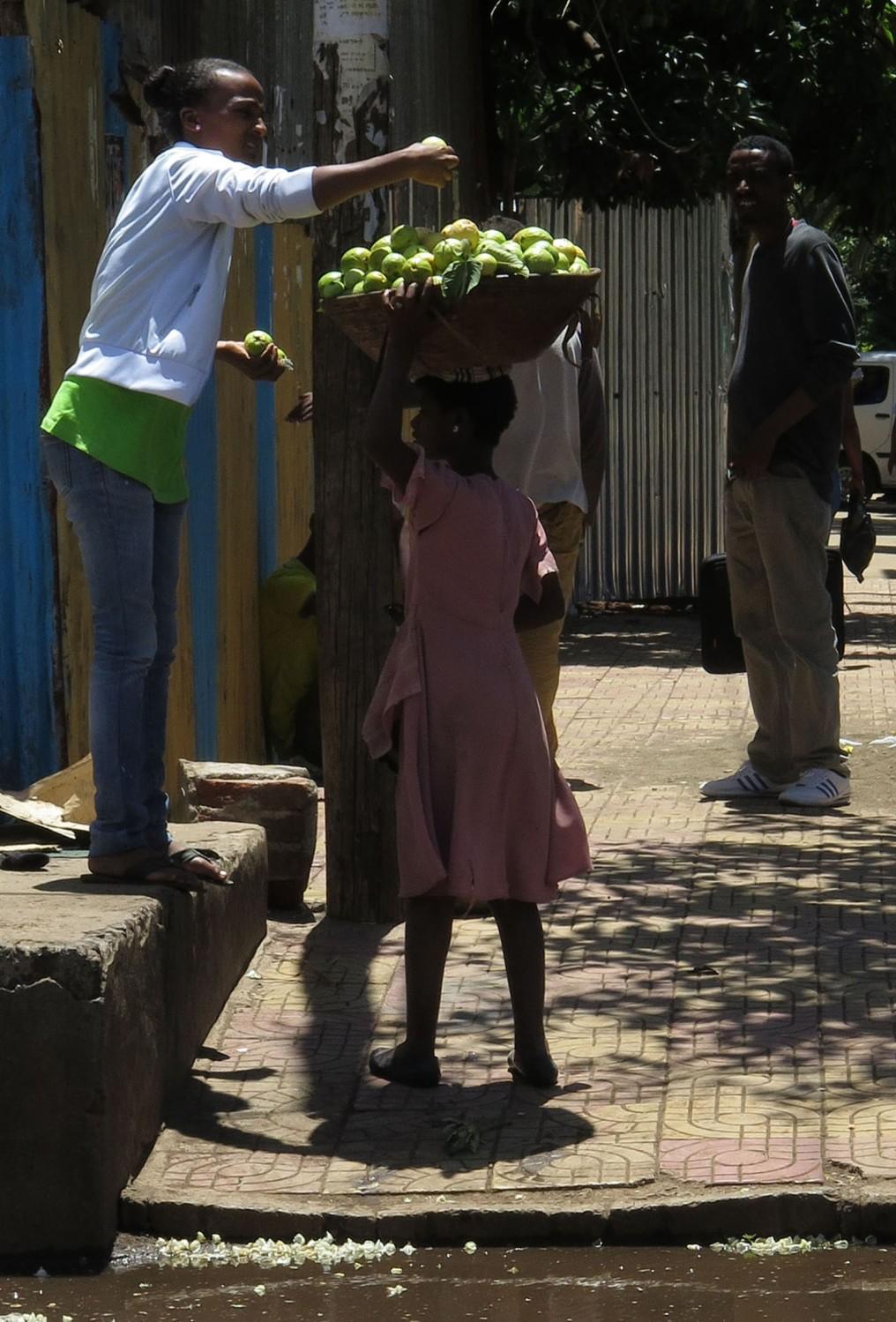 Ethiopia-Bahir-Dar-Fruit