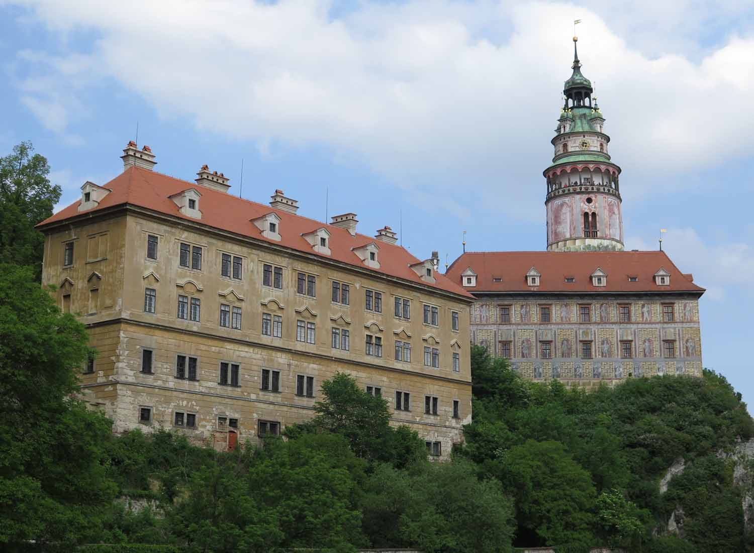 czech-republic-czesky-krumlov-tower-and-buildings