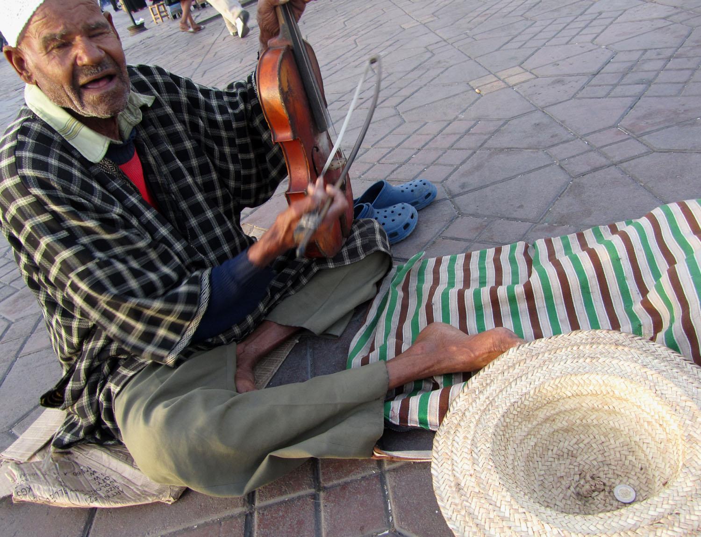 Morocco-Marrakech-Djemaa-El-Fna-Musician