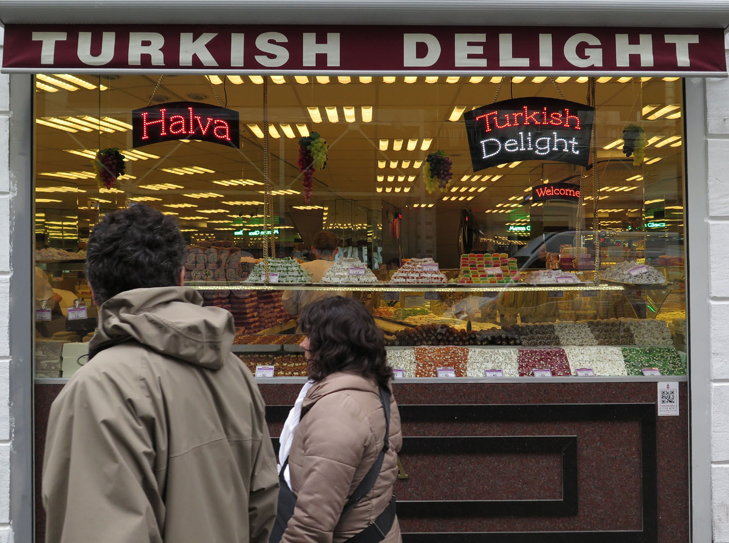 Turkey-Istanbul-Street-Scenes-Turkish-Delight