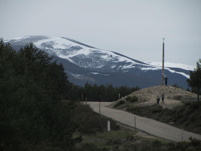 Camino-De-Santiago-Sights-And-Scenery-Cruz-De-Ferro