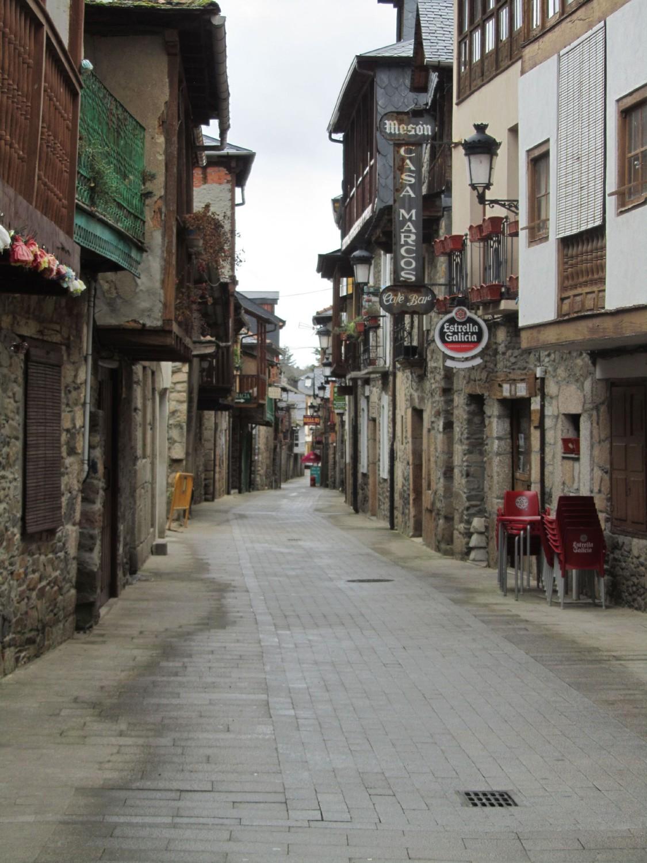 Camino-De-Santiago-Sights-And-Scenery-Molinaseca-Street