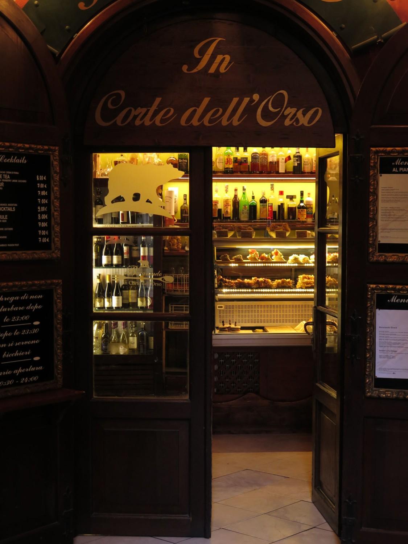 Italy-Venice-Wandering-Around-Restaurant