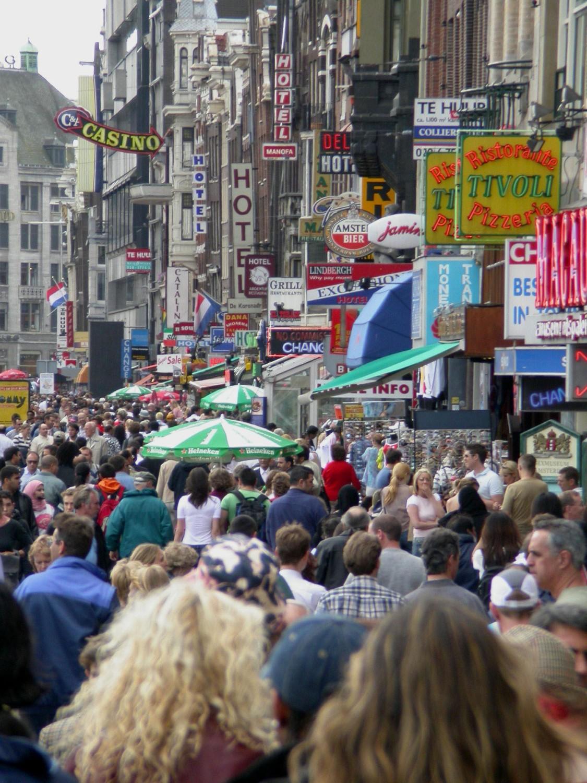Netherlands-Amsterdam-Street-Scenes-Sidewalk