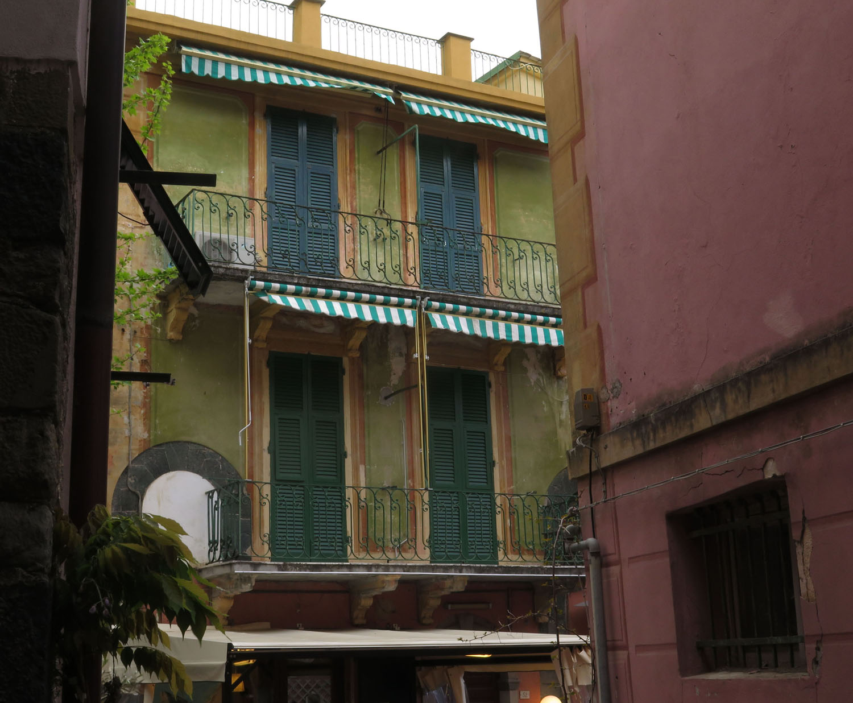 Italy-Cinque-Terre-Street-Scenes-Shutters