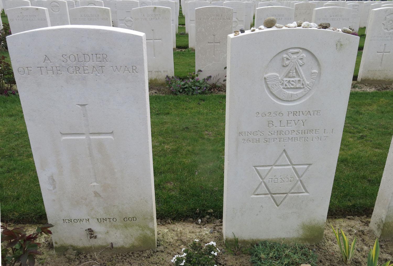 Belgium-Ypres-Commonwealth-Cemetery-Jewish-Soldier