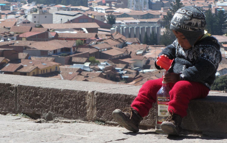 Peru-Cusco-Streets-Muchacho