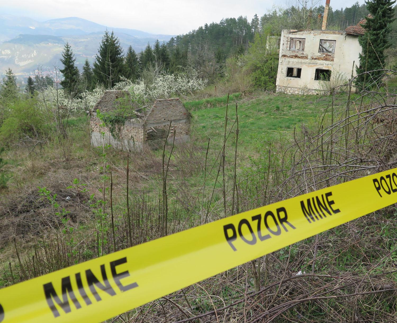 Bosnia-Sarajevo-Siege-Landmines