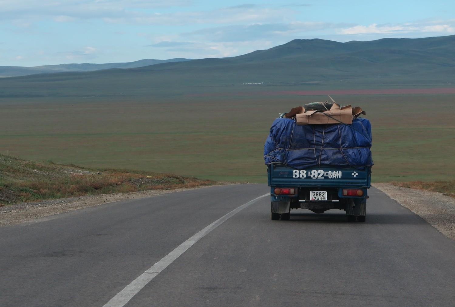 Mongolia-On-The-Road-Truck