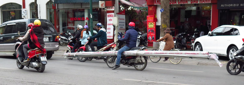 Vietnam-Hanoi-Street-Scenes-Long-Load