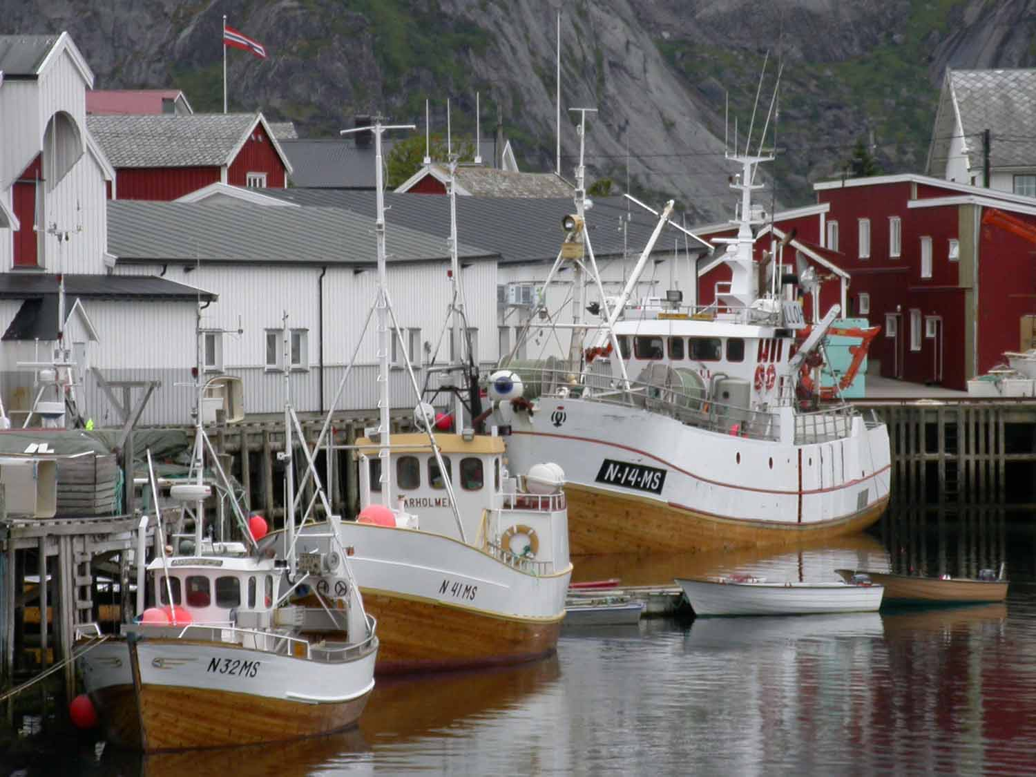 Norway-Lofoten-Islands-Boats