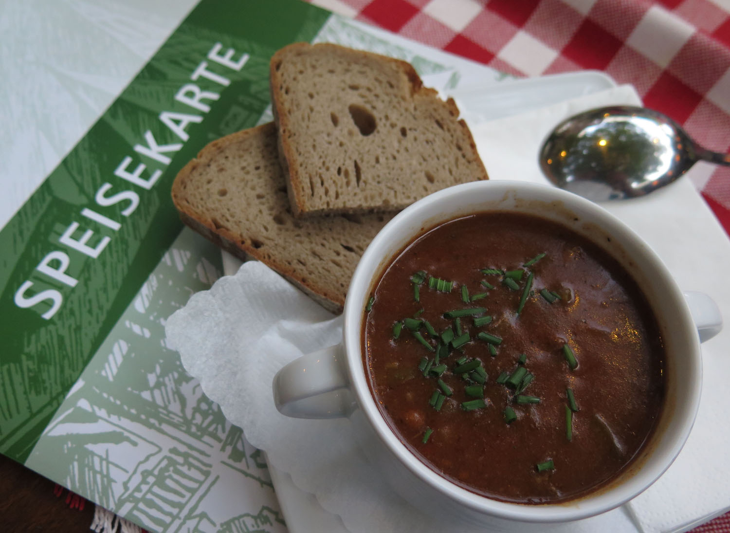 Germany-Rhine-River-Valley-Food-And-Drink-Goulash-Soup