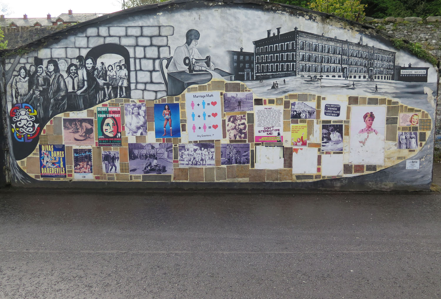 Northern-Ireland-Derry-Londonderry-Wall-Celebrating-Women