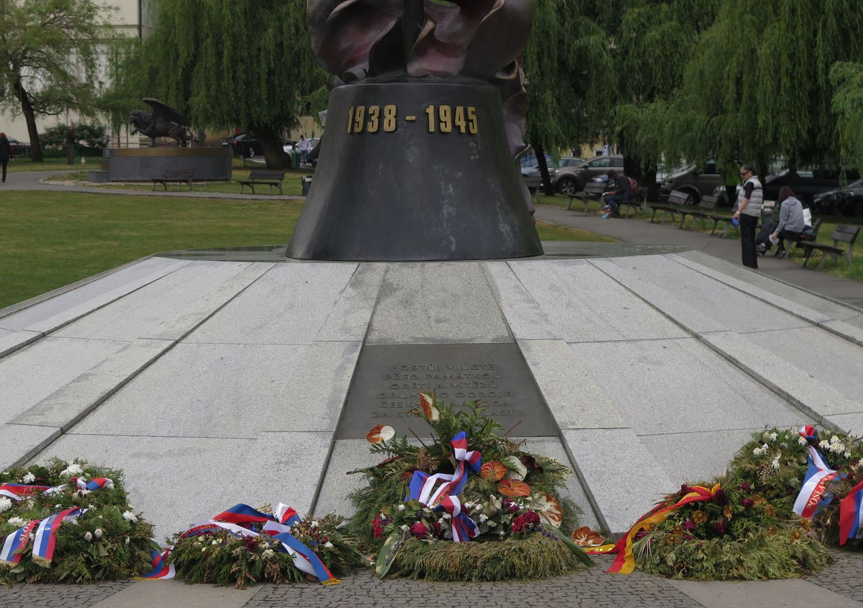 czech-republic-prague-world-war-ii-memorial