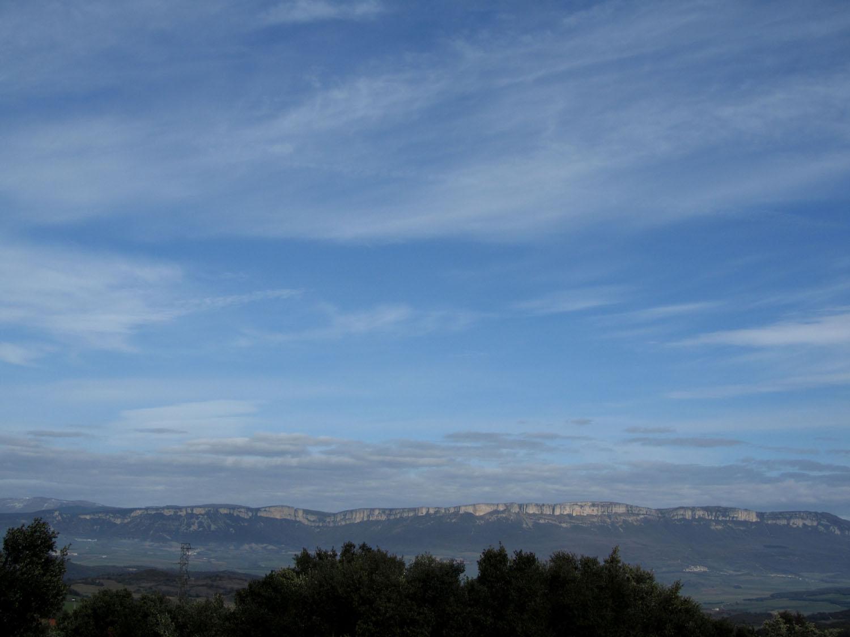 Camino-De-Santiago-Sights-And-Scenery-Cliffs