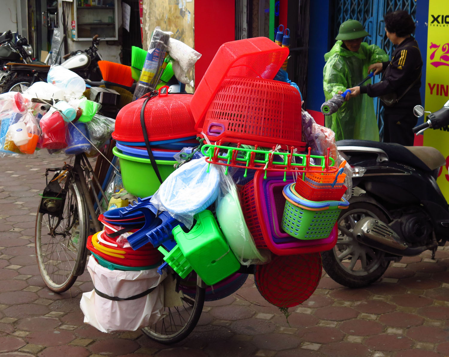 Vietnam-Hanoi-Street-Scenes-Merchant-On-Bicycle