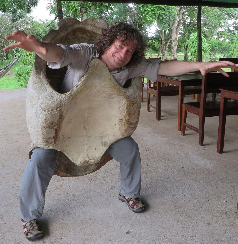 Ecuador-Galapagos-Ninja-Turtle-Wannabe