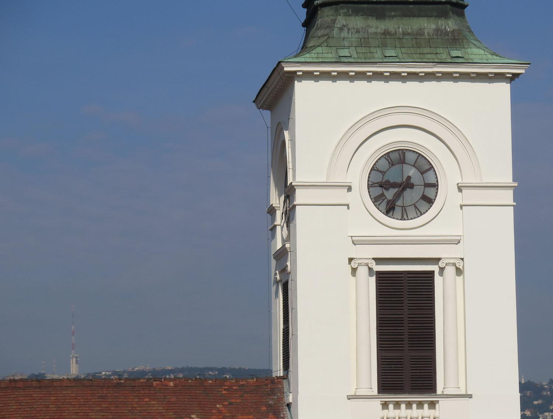 Hungary-Budapest-Street-Scenes-Clock
