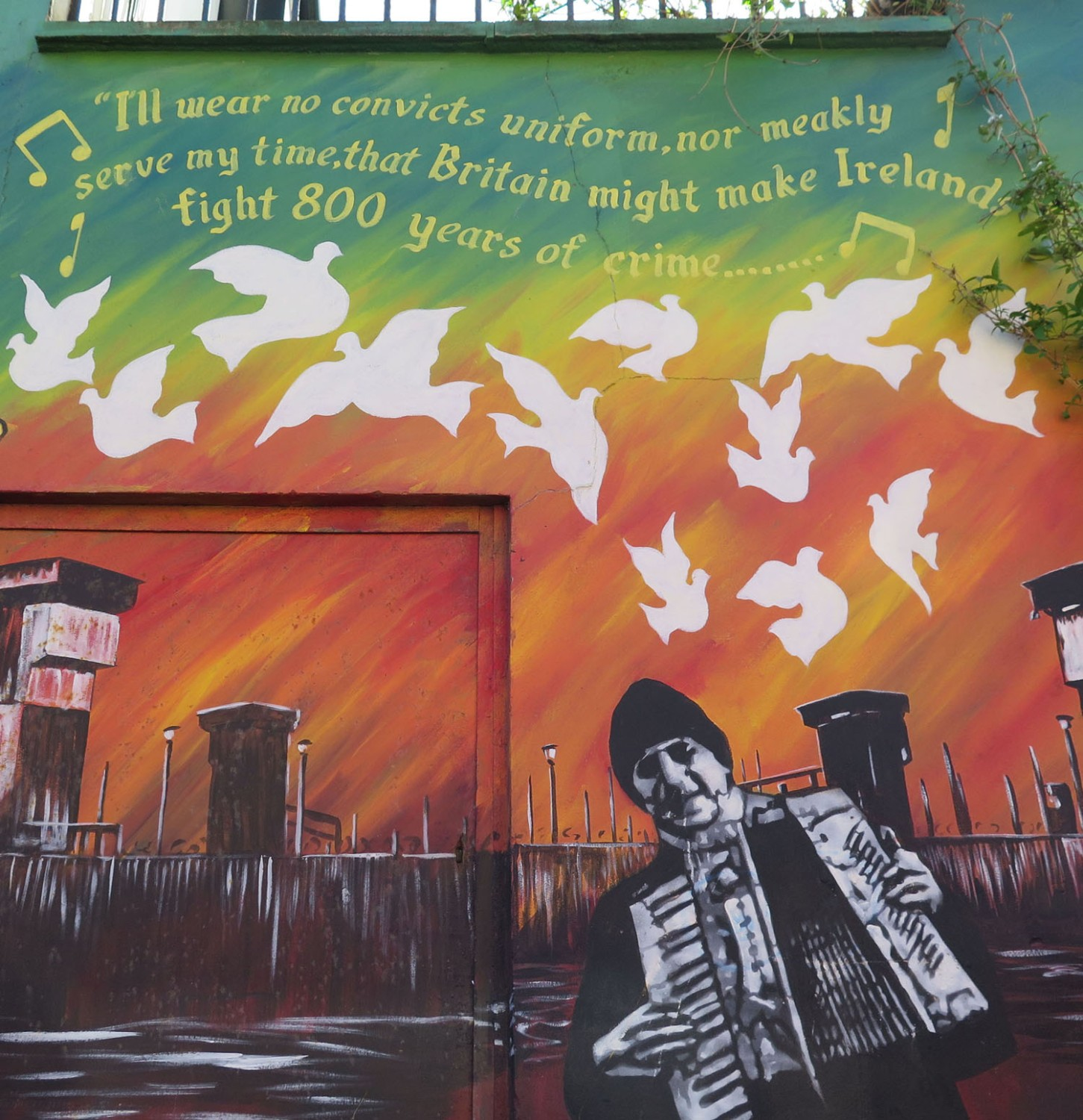 Northern-Ireland-Belfast-The-Troubles-Republican-Solidarity-Mural