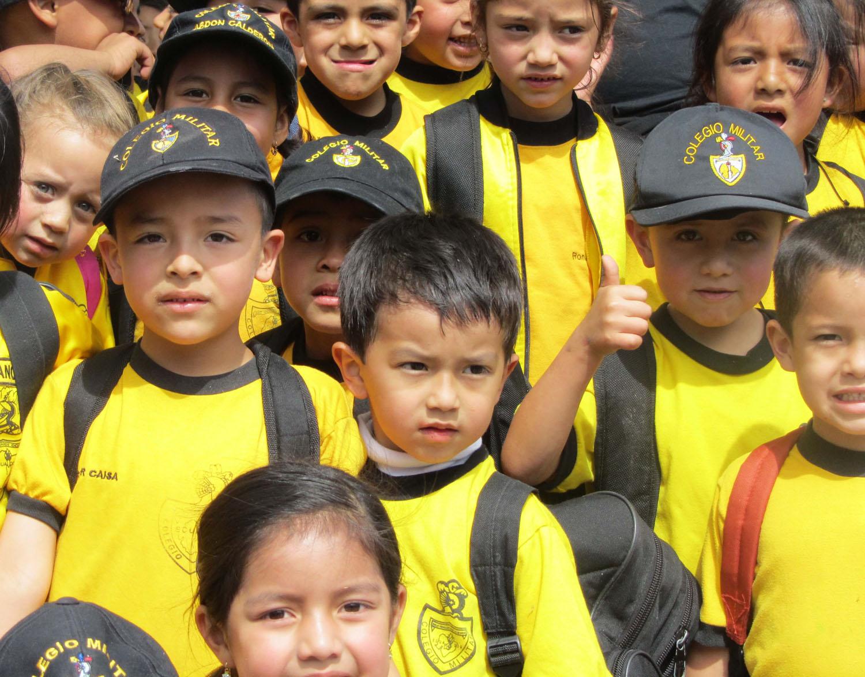 Ecuador-Cuenca-Street-Scenes-Kids
