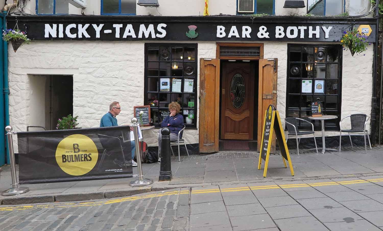Scotland-Lowlands-Stirling-Pub