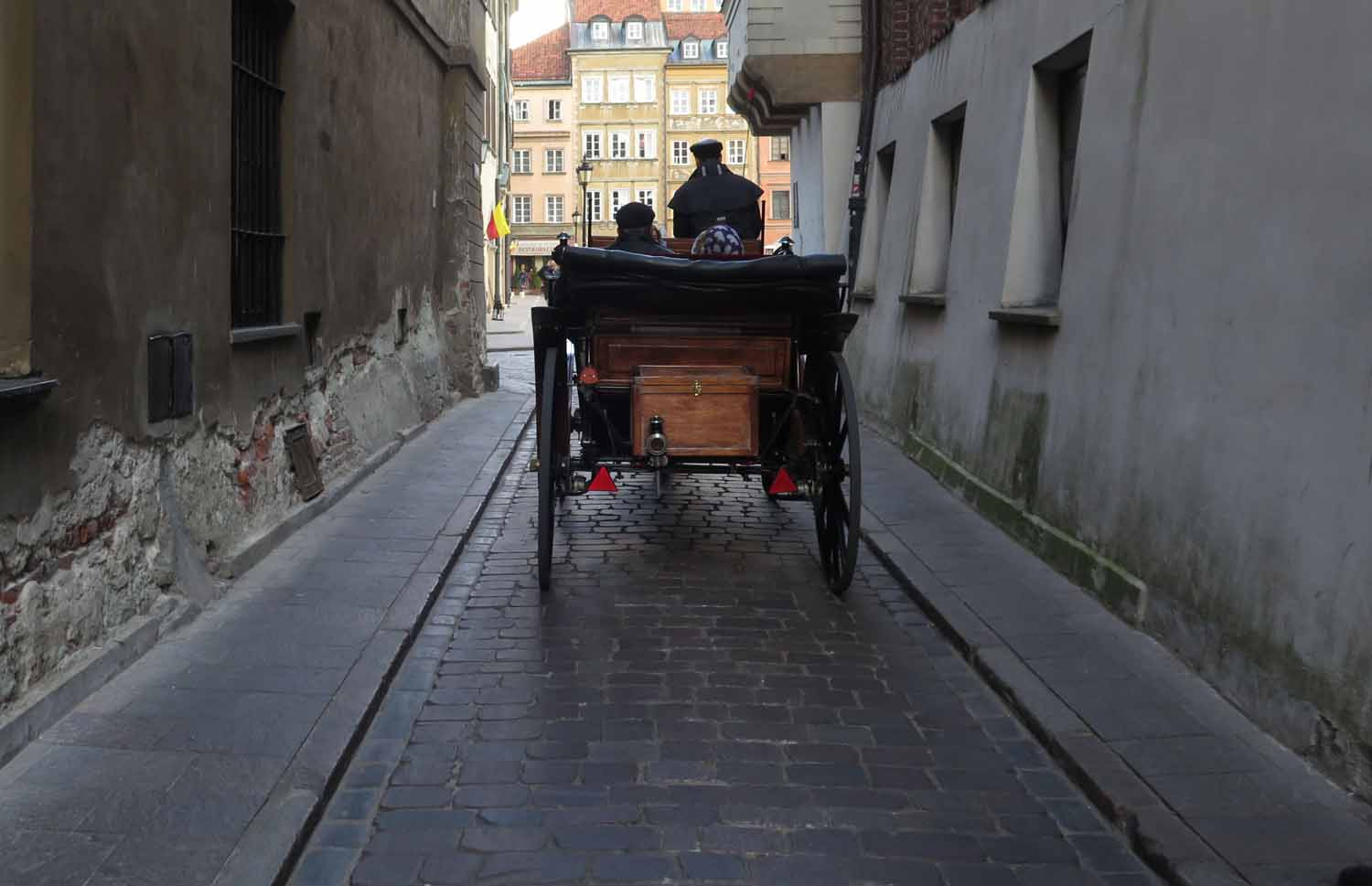 Poland-Warsaw-Horse-And-Carriage
