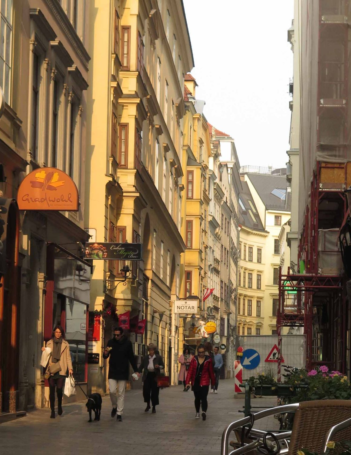 Austria-Vienna-Street-Scenes-Saturday-Morning