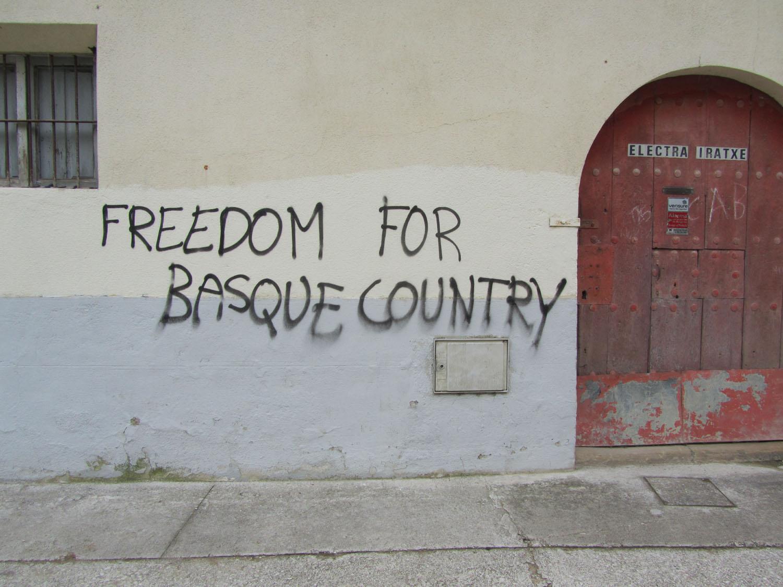 Camino-De-Santiago-Sights-And-Scenery-Basque-Graffiti