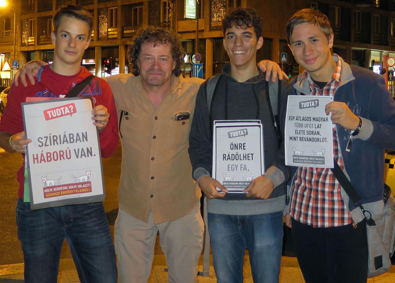 hungary-budapest-street-scenes-tudta-frank-volunteers