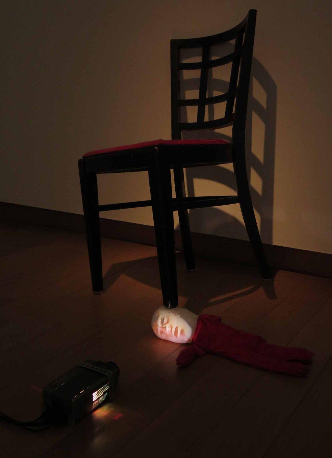 Netherlands-Amsterdam-Stedelijk-Museum-Babys-Head-Chair
