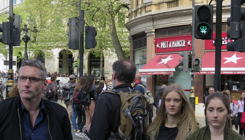 England-London-Street-Scenes-Trafalgar-Square