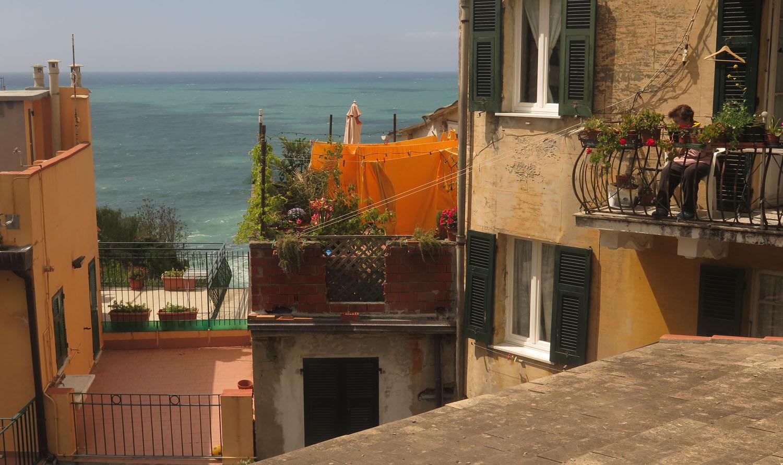 Italy-Cinque-Terre-Street-Scenes-Balcony