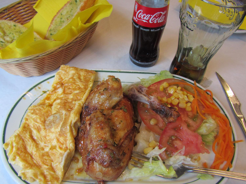 Spain-Madrid-Lunch-Huevos-Pollo-Ensalada
