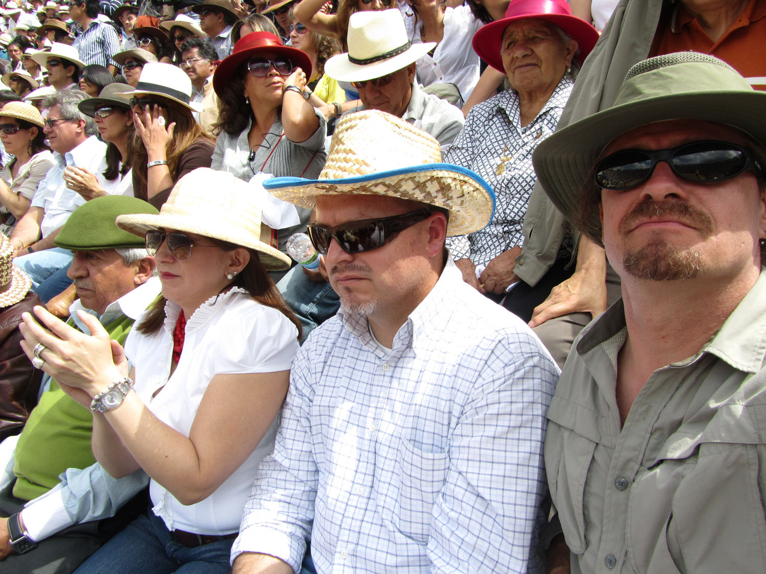 Ecuador-Quito-Bullfight-Frank-Amongst-Crowd