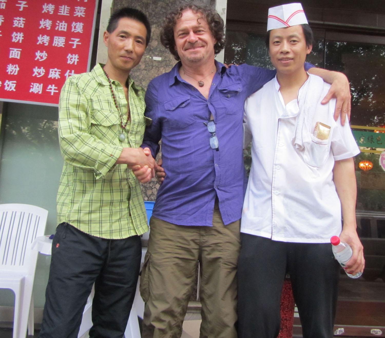 China-Xian-Restaurant-Friends