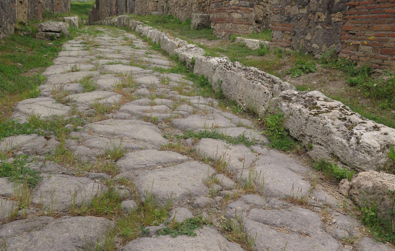 Italy-Pompeii-Street