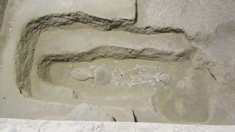 China-Xian-Hanyang-Tombs-Bones