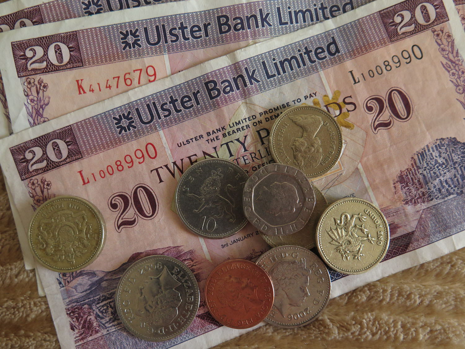 Northern-Ireland-Derry-Londonderry-Money-Pounds