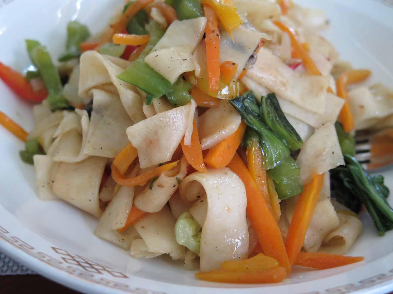 Mongolia-Ulanbator-Food-And-Drink-Dinner-Noodles