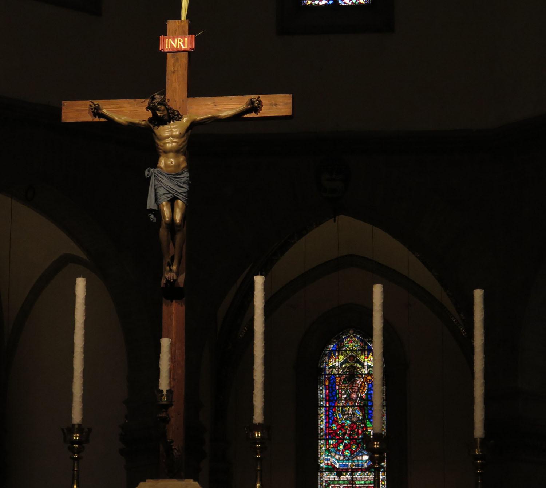 Italy-Florence-Duomo-Crucifix