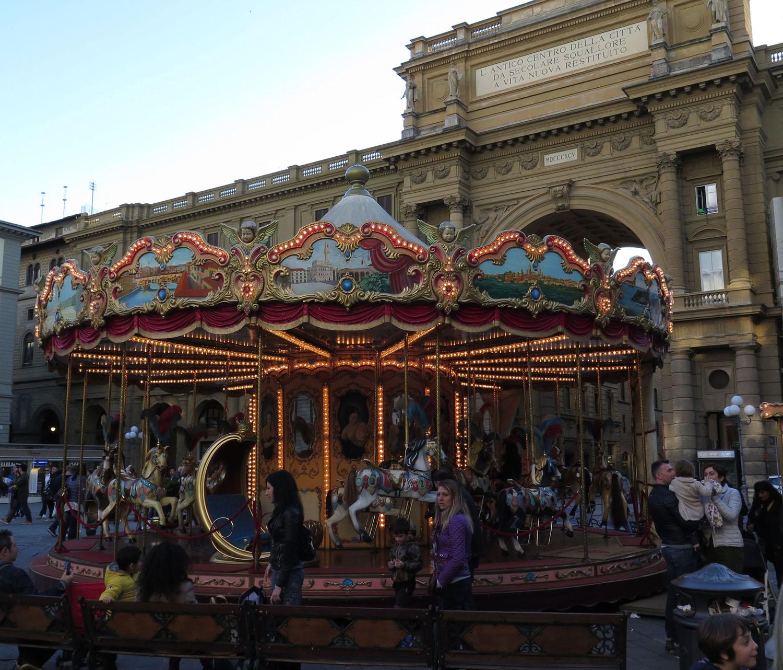 Italy-Florence-Street-Scenes-Carousel