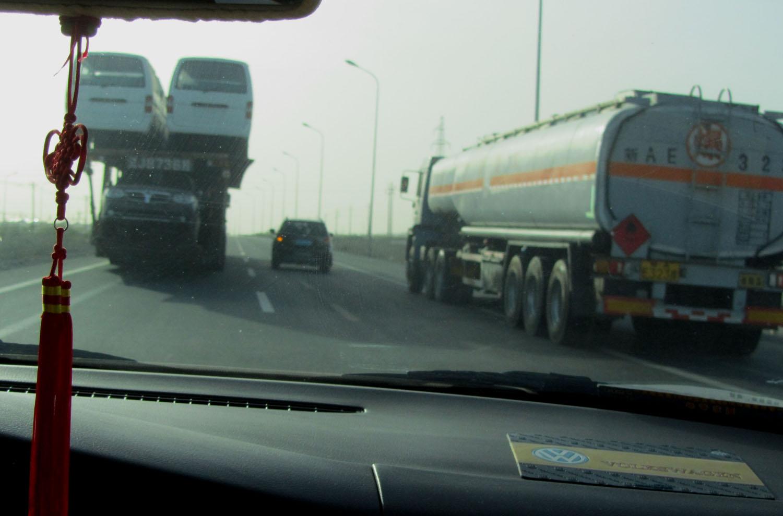 China-Turpan-Desert-Drive-Danger