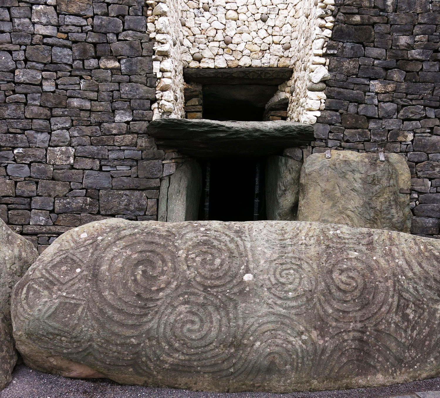 Ireland-Sights-And-Scenery-Newgrange