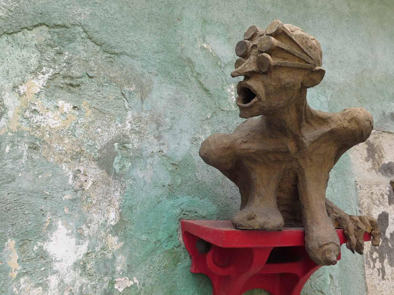 czesky-krumlov-sculpture